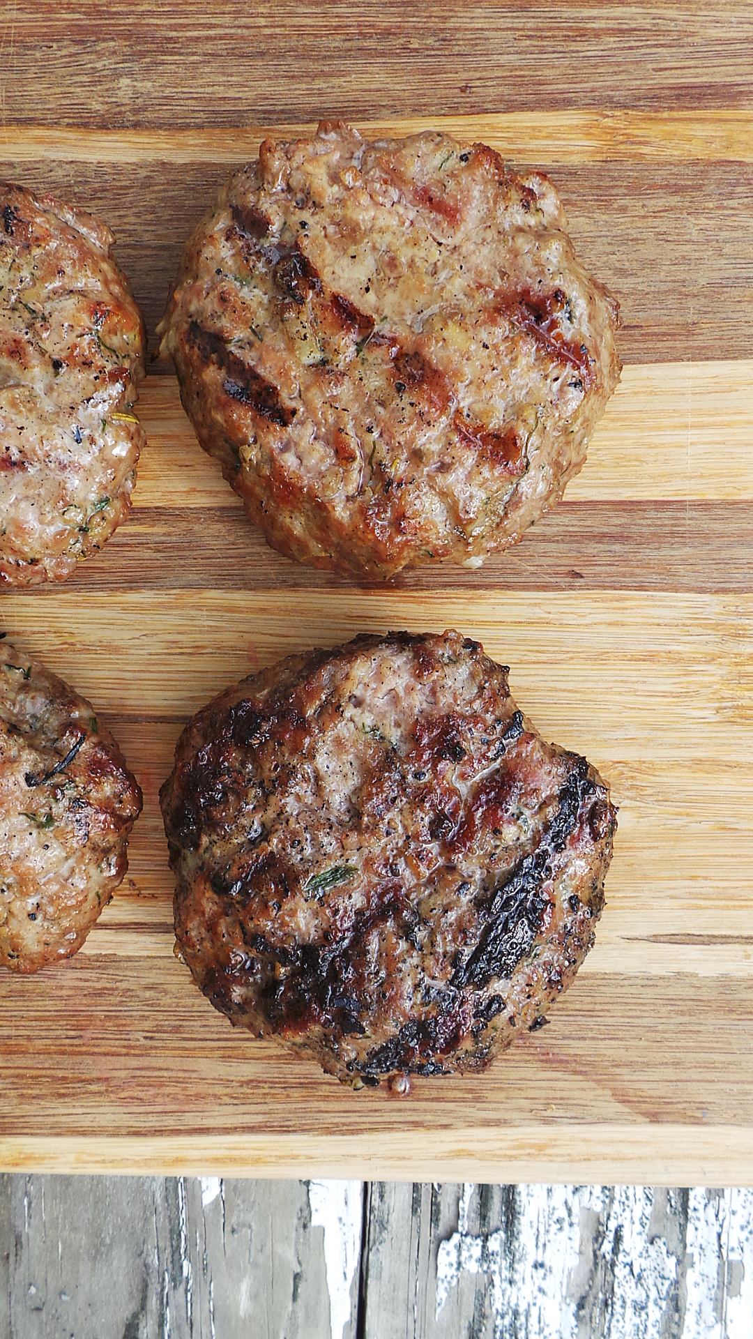 Spiced grilled lamb burgers