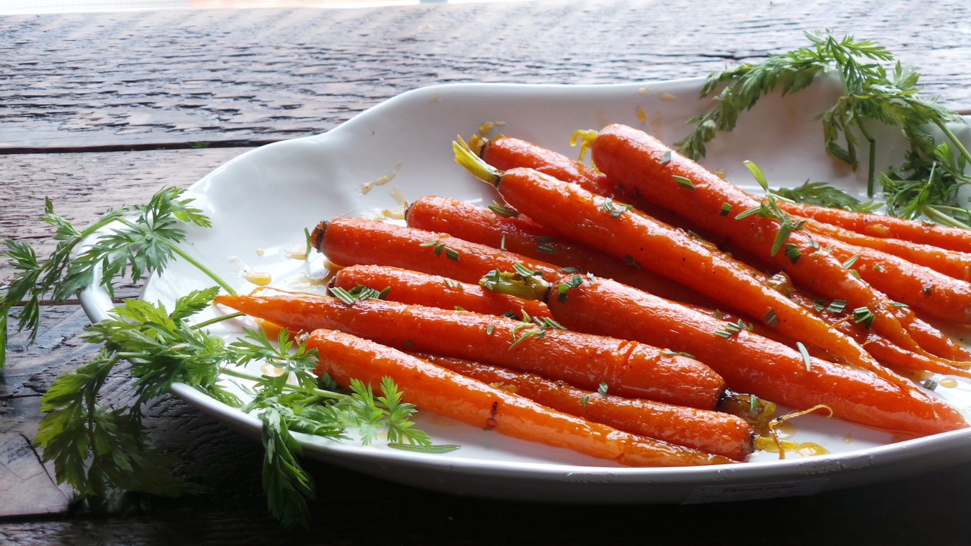 Gingery Glazed Carrots Recipe — Dishmaps