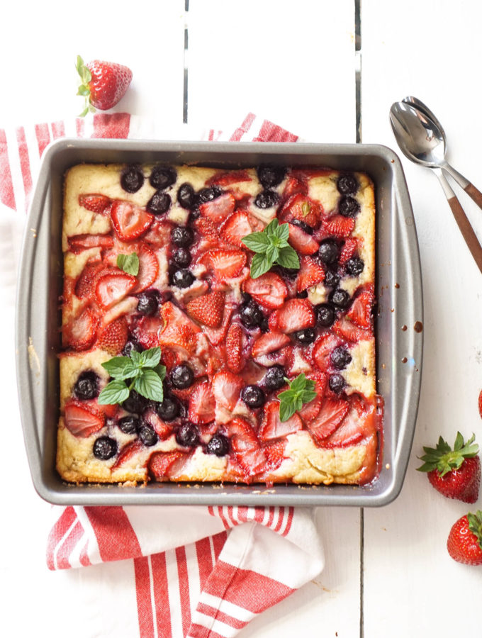 Summer Berry Cobbler Cake